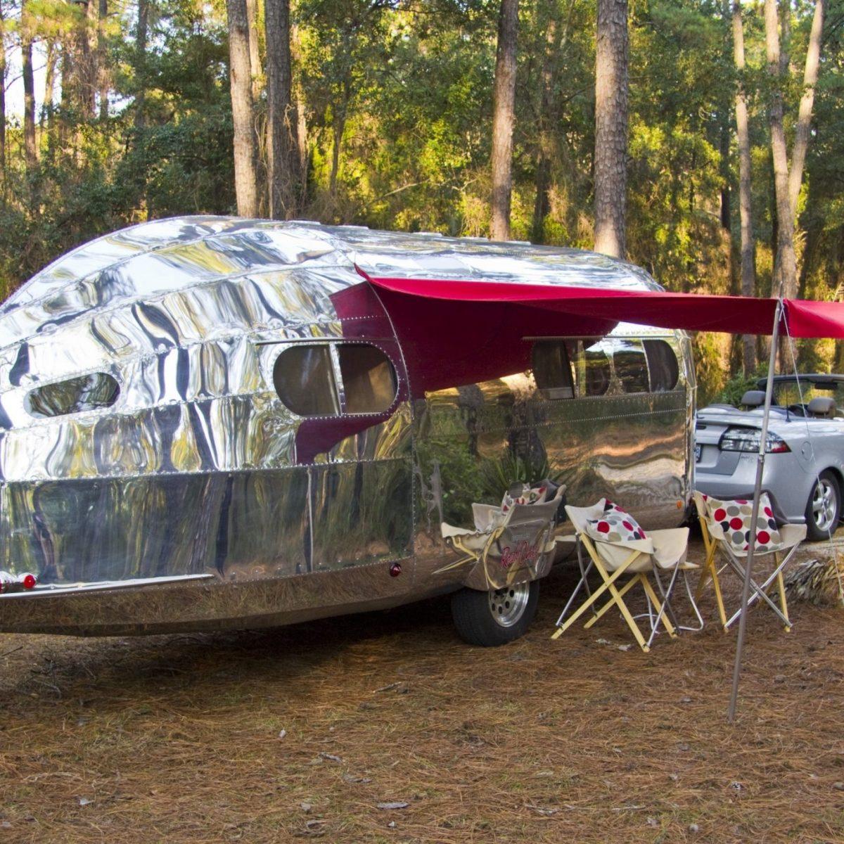 Bowlus CampingRedAwning 1